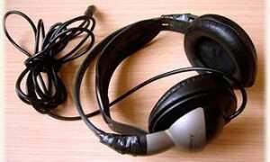 Навушники з довгим шнуром — вибір багатьох людей. Якими перевагами вони мають.